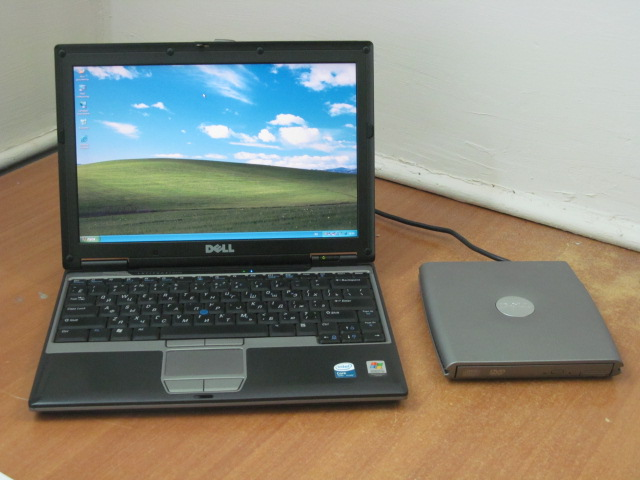 "Нетбук Dell Latitude D420 Intel Core Solo U1300 (1.06Ghz) /DDR2 1Gb /HDD 60Gb (1.8"") /TFT 12.1"" (1280x800) /Video Intel GMA 950 224Mb /Внешний DVD&CD-RW /Wi-Fi /BlueTooth /CardReader /3x"