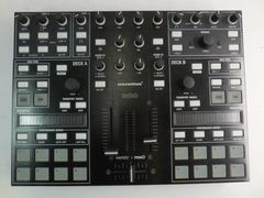 DJ-контроллер Novation Twitch