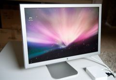 "ЖК-монитор 23"" Apple Cinema HD Display A1082"